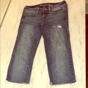 American Eagle Stretch Distressed Frayed Capris